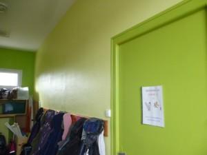Peinture du couloir des classes de cycle 2